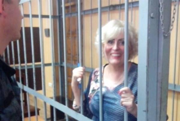 «С ними договорились, будьте, тише травы – ниже воды»:Неля Штепа почему она в СИЗО, а остальные мэры Донбасса на свободе (ВИДЕО)