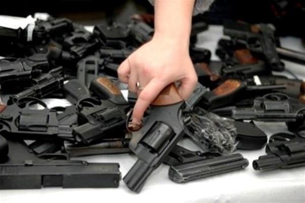 Горотдел милиции призывает жителей Славянска сдать оружие