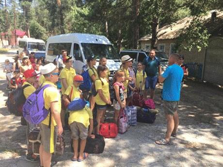 В оздоровительном лагере «Светлячок» в Святогорске отдохнут 405 детей из прифронтовых городов