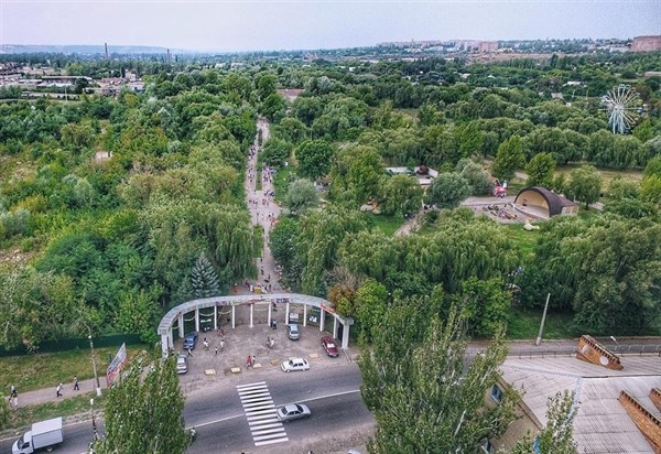 Зеленый, но неухоженный: впечатлениями о Славянске поделилась жительница Донецка, переехавшая сюда на ПМЖ