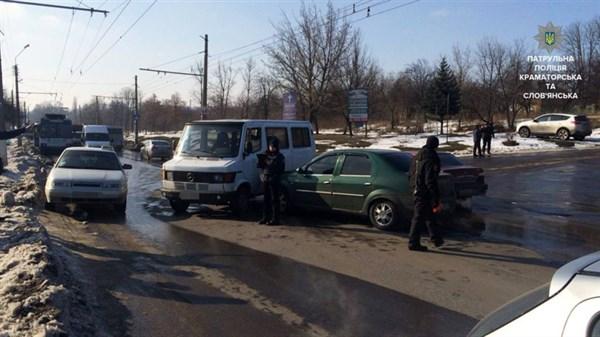ДТП на перекрёстке улиц Ярослава Мудрого и Одесской: «Мерседес» не уступил дорогу DACIA