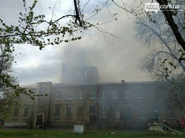 Вместо сгоревшего ДК в Славянске появится платный Центр культурных услуг?
