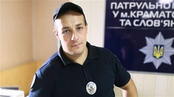 Пауэрлифтер Артем Супрун после 10 лет в литейном цеху стал полицейским. А сейчас мечтает об Америке