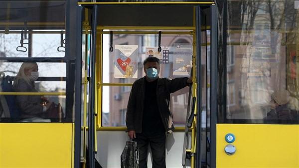 В Славянске людей возрастом старше 60 лет временно не будут пускать в городской транспорт