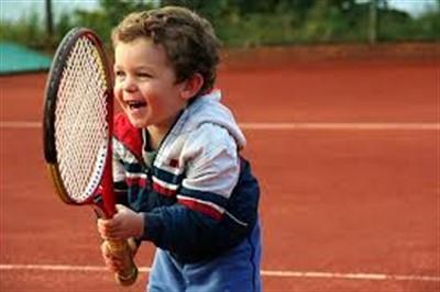Инвентарь для тенниса: как выбрать ракетку для ребенка и для взрослого