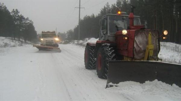 На уборку снега в отдаленных районах Славянска не хватает техники и людей