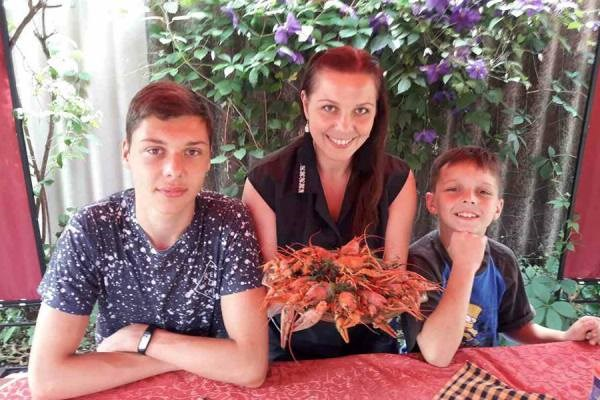 Последствия ДТП на трассе между Славянском и Краматорском: на срочные операции пострадавшим требуются деньги