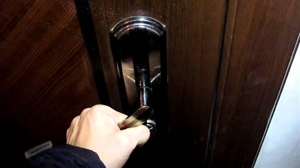 В Славянске вор вынес из квартиры газовую колонку и счетчик воды