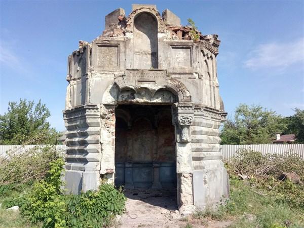 У Слов'янську відбулося генеральне прибирання Староміського кладовища, де поховані батьки-засновники міста