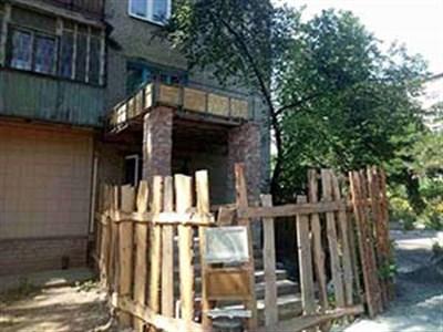 В Славянске по вине строительной бригады житель дома получил ожоги