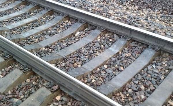 В Славянске житель Торецка выпил и решил покончить жизнь самоубийством, бросившись под поезд