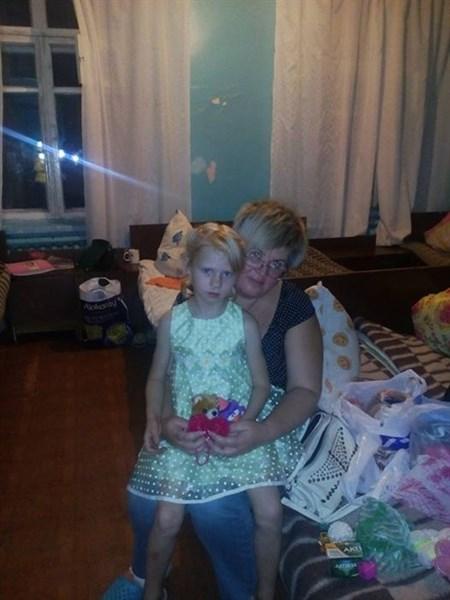 Славянск не без добрых людей: жители города молниеносно помогли одеждой, медикаментами и игрушками девочке из приюта