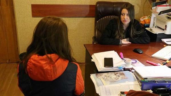 Полицейским Славянска удалось оперативно найти школьницу, которая ушла из дома