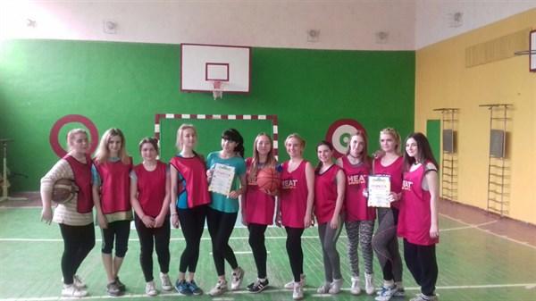 В Славянске состоялся финал городских соревнований по баскетболу. Определены лучшие игроки