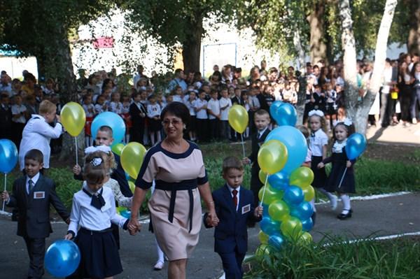 В Славянске набрали 1187 первоклашек. Всего в школах города 11200 учеников