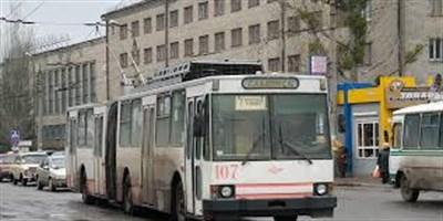 Инцидент в Славянске: кондуктор выгнала из троллейбуса школьницу с билетом