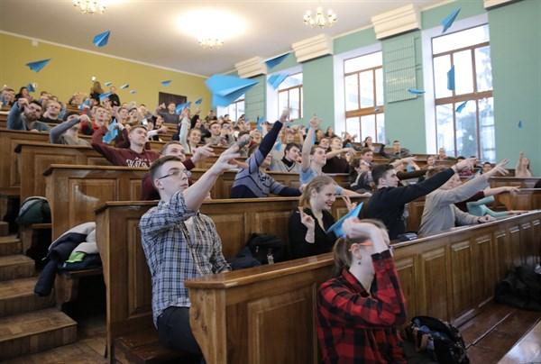 Студенты из Славянска успешно справились со вторым этапом конкурса «Авиатор 2018»
