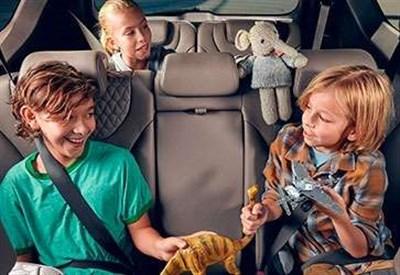 Hyundai Santa Fe New: семейный автомобиль с повышенным уровнем безопасности