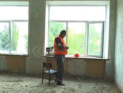 Родители учащихся славянской ОШ №13 обеспокоены, что ремонт в школе постоянно затягивается