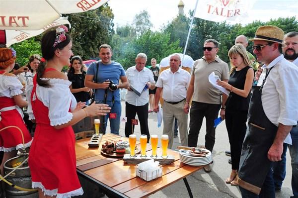 Как мэр Славянск борщ на День города варил (ФОТО)