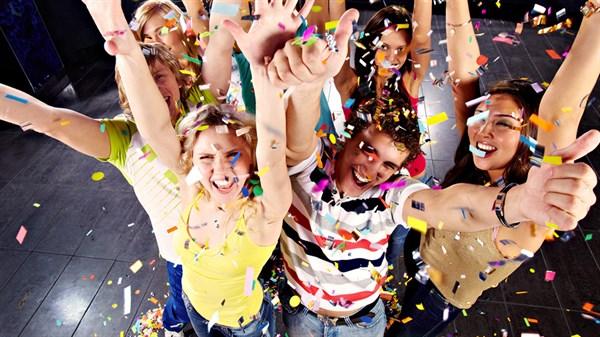 Надоело отмечать Новый год в домашних тапочках?! Slavgorod.com.ua  узнал, какую программу предлагают развлекательные заведения Славянска и Святогорска