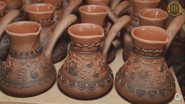 Чашки с шевронами и экопосуда: семья из Славянска рассказала, как выходят на рынки Европы с керамикой