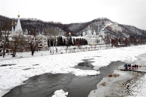 Погода в Славянске на Крещение: синоптики обещают мороз и солнце