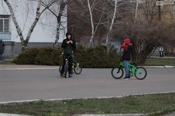 В Славянске поставили скейт-площадку