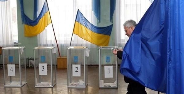В Славянске перенесли два избирательных участка, а патрульные заступили на их круглосуточную охрану