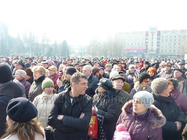 В Славянске хотят наложить мораторий на проведение митингов и провести соцопрос жителей города