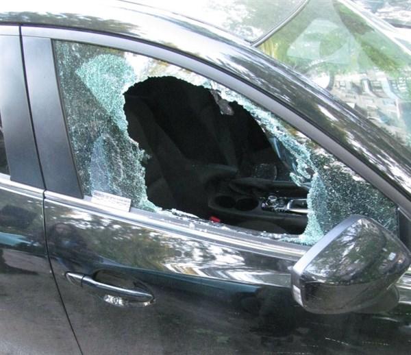 В Славянске начали вскрывать автомобили без сигнализации: за сутки – четыре случая