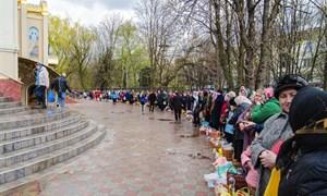 Освящение куличей в храме Святого Духа на Соборной площади