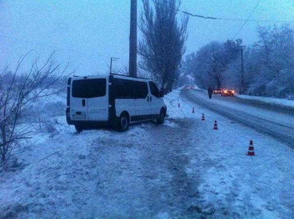 В результате ДТП с участием микроавтобуса в Славянске пострадало 7 человек, фото-1