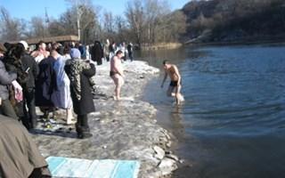 Крещение по-славянски: где и как горожане отметили Богоявление