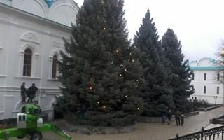 В Святогорске в Свято-Успенской Лавре готовятся к Рождеству