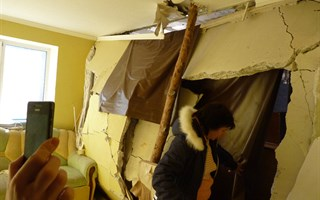 Экскурсия по разрушенным квартирам в доме на ул. Бульварная 4